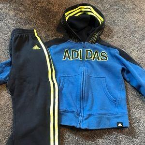 Adidas sweatsuit size 4t